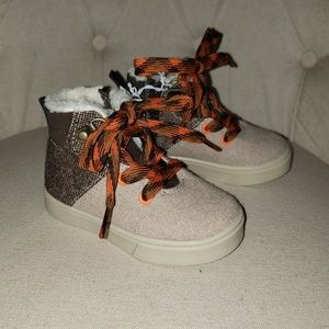 Cat&Jack boys shoe